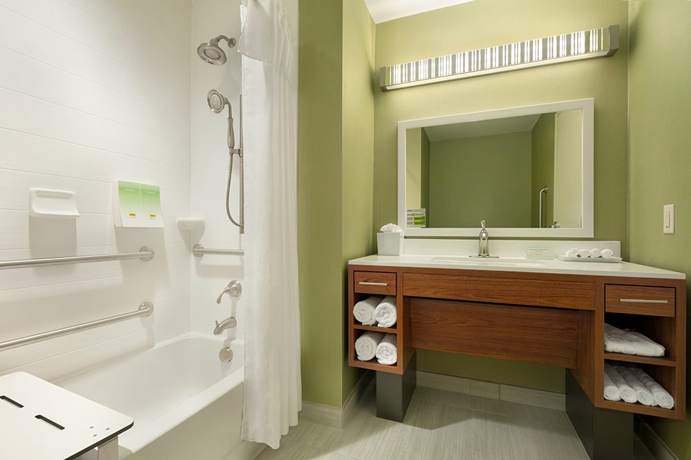 Home2 Suites by Hilton Minneapolis Bloomington – Accessible Bathroom – Tub – 1132982