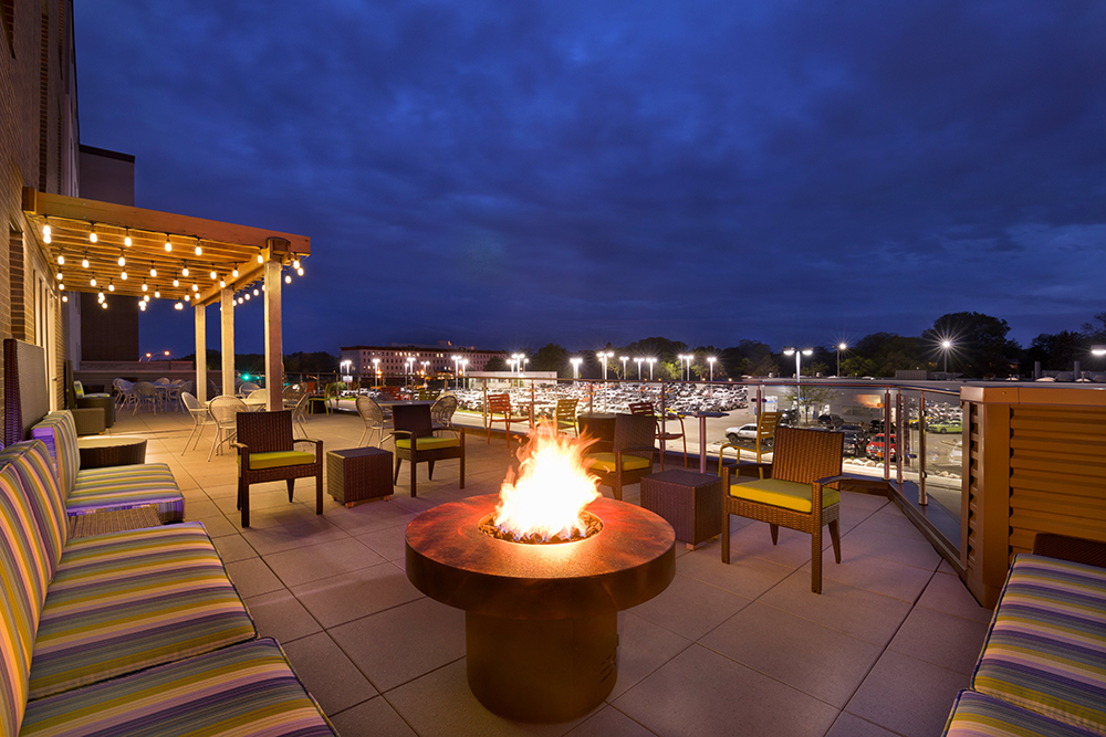 Home2 Suites by Hilton Minneapolis Bloomington – Outdoor Lounge with Fire Pit – 1132660